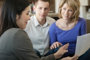 rachat credit 300x199 Comment choisir un courtier en rachat de crédit ?